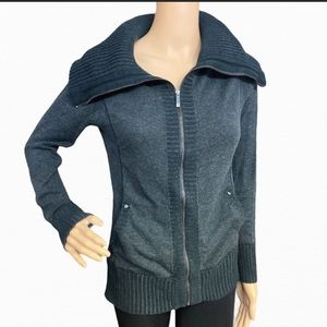 Cache Blk grey turtle neck or collar Sweater S